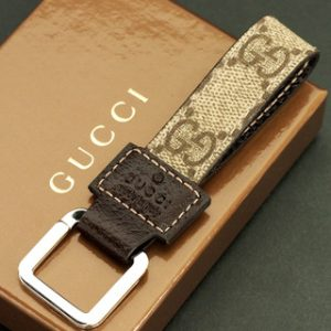 e94c75e4f24 Gucci SP   leather key ring Overall length   108mm width   19-28mm Weight    13.3gGUCCI made in Italy.