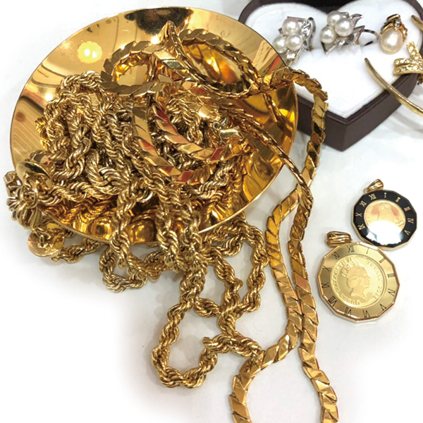 Golden cups, chains, coins, etc.